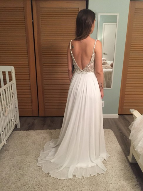 Item - White Polyester Casual Wedding Dress Size 2 (XS)