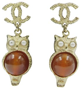 Chanel Chanel 2018 Resort Goldtone Owl CC Logo Drop Earrings Pearls Orange