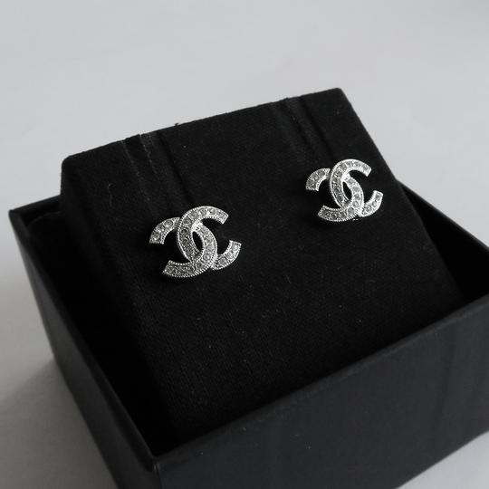 Chanel Chanel Small Classic CC Earring Image 5