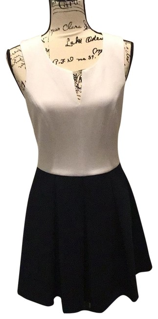 Preload https://img-static.tradesy.com/item/25736525/w118-by-walter-baker-navy-and-white-short-night-out-dress-size-8-m-0-1-650-650.jpg