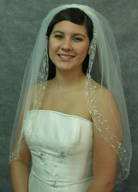 Item - Ivory/Silver Medium With Embroidered Beads Edging Bridal Veil
