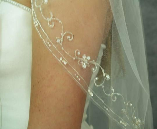 Ivory/Silver Medium With Embroidered Beads Edging Bridal Veil