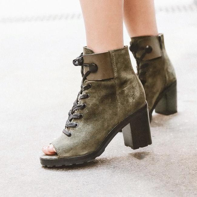 Frye Sand/Green Danica Lug Combat Suede Lace Up Heeled Ankle Peep Boots/Booties Size US 6 Regular (M, B) Frye Sand/Green Danica Lug Combat Suede Lace Up Heeled Ankle Peep Boots/Booties Size US 6 Regular (M, B) Image 3