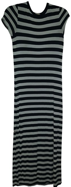 Item - Black / White Fits Like A Small Short Sleeved Long Casual Maxi Dress Size 2 (XS)