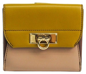 Salvatore Ferragamo Salvatore Ferragamo Gancini 22 C270 Women's Calfskin Wallet (bi-fold) Beige,Dark Yellow,Gray Brown
