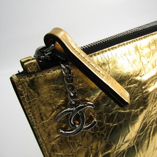 Chanel Gold Clutch Image 5