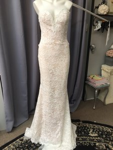 Pronovias Off White / Crystal / Beige Tulle and Lace Eithel Traditional Wedding Dress Size 6 (S)