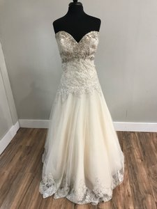 Mori Lee Light Gold Tulle and Lace 2609 Traditional Wedding Dress Size 14 (L)