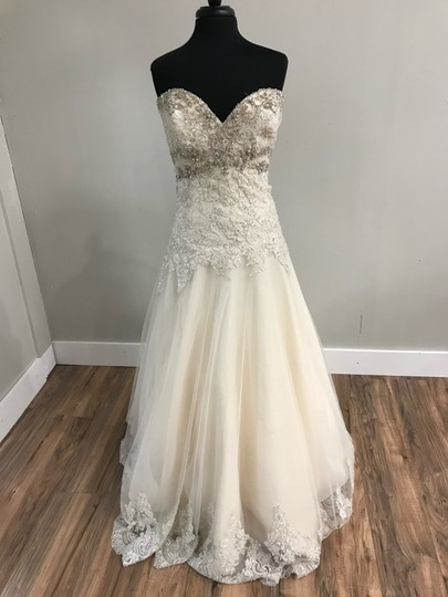 Preload https://img-static.tradesy.com/item/25748225/mori-lee-light-gold-tulle-and-lace-2609-traditional-wedding-dress-size-14-l-0-0-540-540.jpg