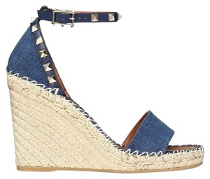 ef0b7c35cee Valentino Wedges - Up to 70% off at Tradesy