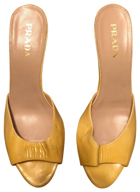 Item - Yellow Patent Leather Wedge Pumps Size EU 36.5 (Approx. US 6.5) Regular (M, B)