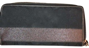 Coach Coach Signature Zip Around Wallet 40753