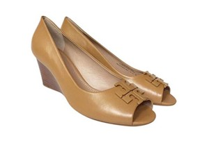 Tory Burch blond beige Wedges