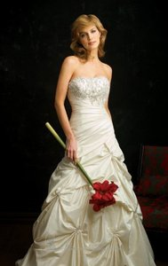 Allure Bridals Allure Bridal Wedding Dress