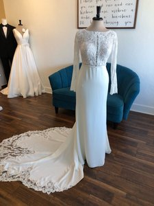 Stella York Ivory Gown Moscato Bodice Lace and Crepe 6817 Vintage Wedding Dress Size 8 (M)