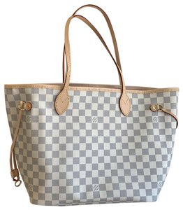 ea8b7514cc8 Louis Vuitton Bags on Sale - Up to 70% off at Tradesy