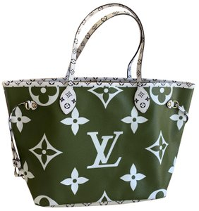 Louis Vuitton Tote in giant khaki, olive