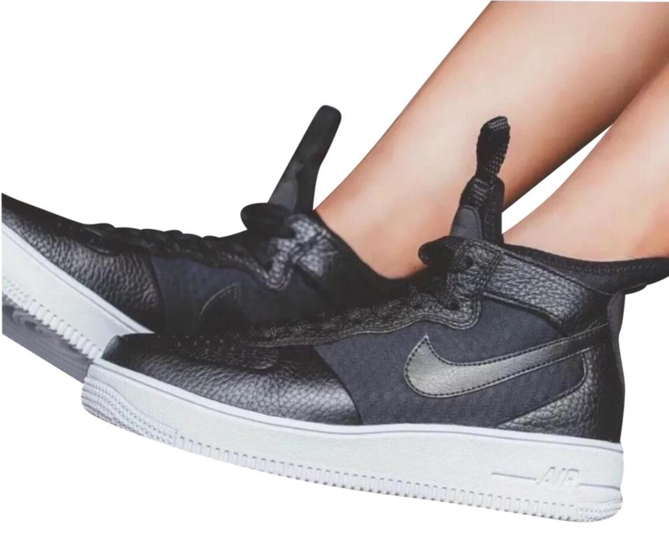 purchase cheap 567ae 3a276 Nike Black Women's Air Force 1 Ultraforce Features A Breathable Inner  Sleeve Ultra Cushioning and Reflective That Sneakers Size US 7 Narrow (Aa,  N) ...