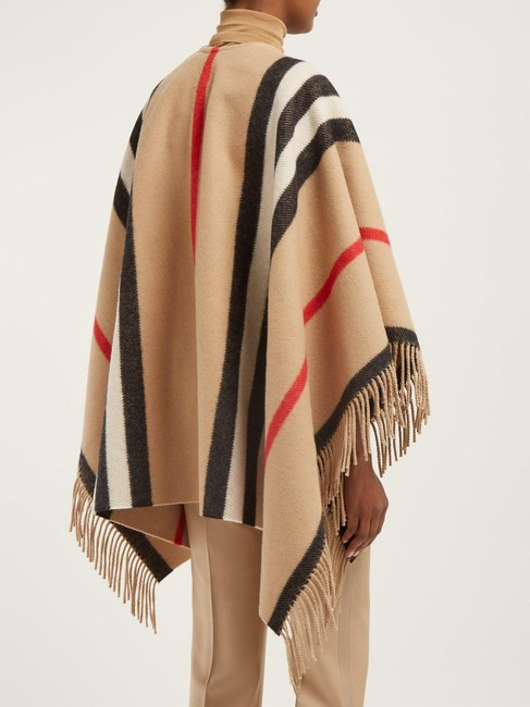 Burberry Winter Jacket Cape Image 2