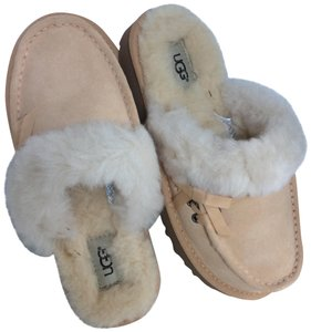 UGG Australia Sale New With Tags New In Box Soft Ochre Mules