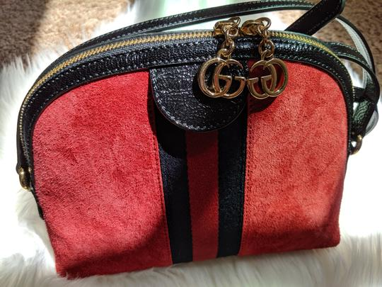 Gucci Double G Street Wear Leather Cross Body Bag Image 6