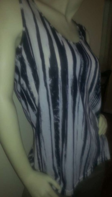 Kenneth Cole Desinger Cotton Top black striped on off-white
