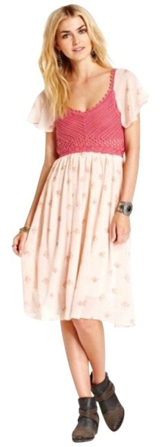 Item - Pink Crochet & Floral Mid-length Short Casual Dress Size 4 (S)
