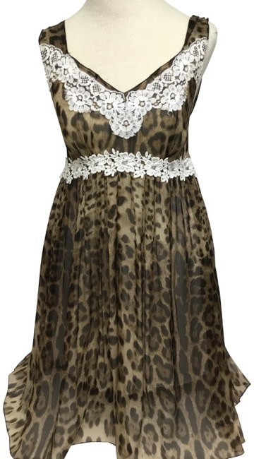 Item - Brown Animal Print Baby Doll with White Lace Appliqué Short Casual Dress Size 8 (M)