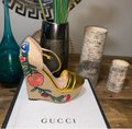 Gucci Gold Wedges Image 4
