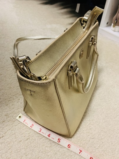 Tory Burch Tote in Gold Image 1