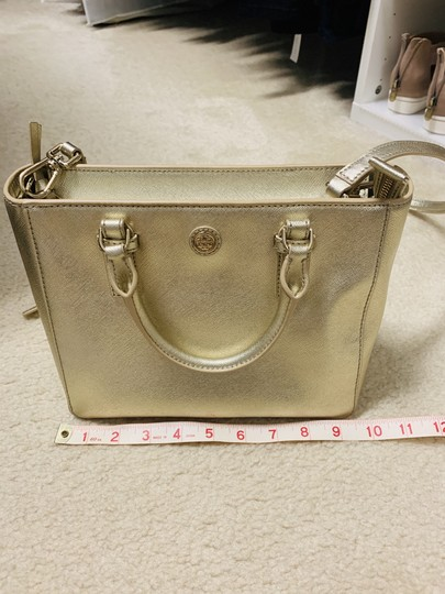 Tory Burch Tote in Gold Image 5