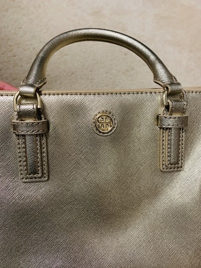 Tory Burch Tote in Gold Image 7