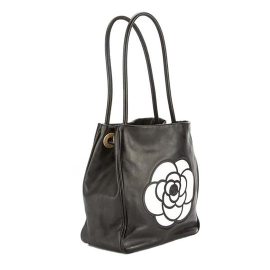 Chanel Lambskin Camellia Tote in Black Image 1