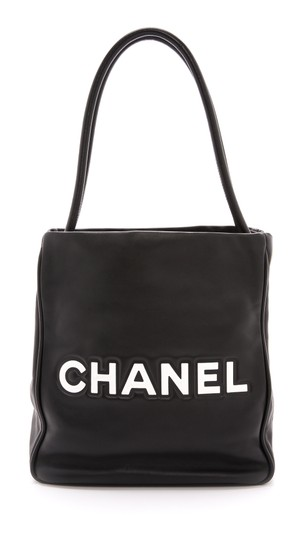 Chanel Lambskin Camellia Tote in Black Image 2