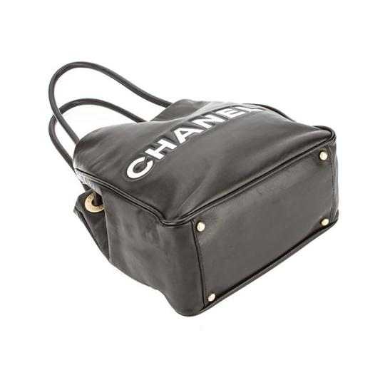 Chanel Lambskin Camellia Tote in Black Image 3