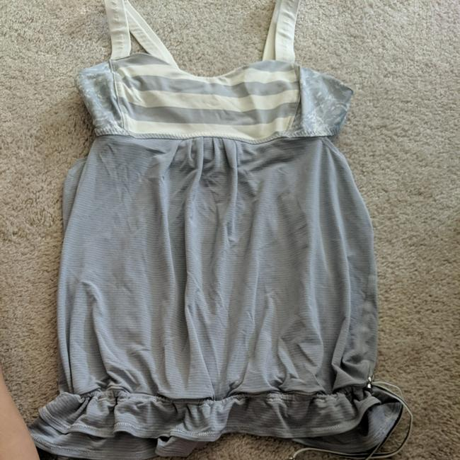 Preload https://item3.tradesy.com/images/lululemon-lose-fitted-athletic-with-built-in-bra-tank-topcami-size-8-m-25760787-0-0.jpg?width=400&height=650
