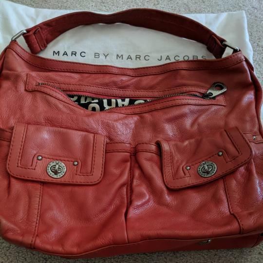 Preload https://item5.tradesy.com/images/marc-by-marc-jacobs-leather-hobo-bag-25760989-0-0.jpg?width=440&height=440