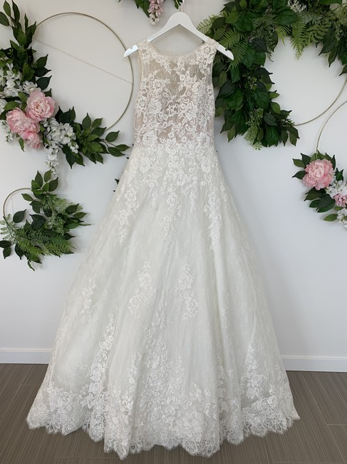 Pronovias Off White & Nude Bodice Tulle Chantilly Lace Eleanor Traditional Wedding Dress Size 8 (M) Pronovias Off White & Nude Bodice Tulle Chantilly Lace Eleanor Traditional Wedding Dress Size 8 (M) Image 1