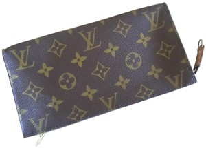 online store 24301 b2aee Louis Vuitton Cell Phone Cases - Up to 70% off at Tradesy