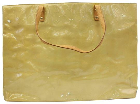 Preload https://img-static.tradesy.com/item/25763866/louis-vuitton-reade-gm-870967-yellow-green-monogram-vernis-leather-tote-0-1-540-540.jpg