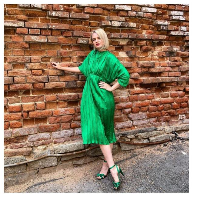 Item - Green (2297) Mid-length Cocktail Dress Size 4 (S)
