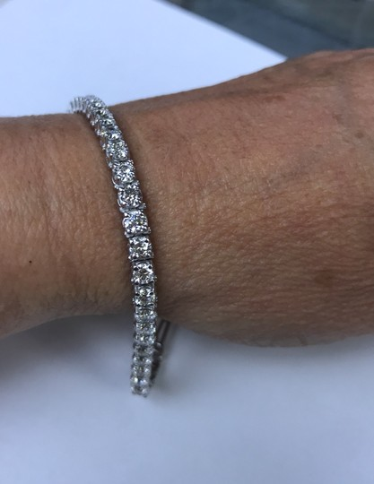 14KT White Gold Diamond CVD Tennis Bracelet 7.00cts. 14KT White Gold Diamond CVD Tennis Bracelet 7.00cts. Image 2