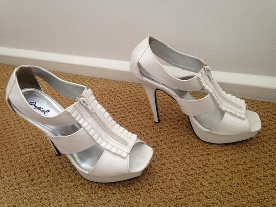 Qupid Patent Ruffle White Pumps Image 1