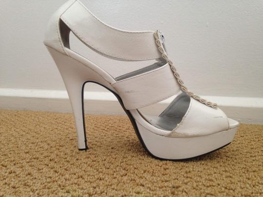 Qupid Patent Ruffle White Pumps Image 5