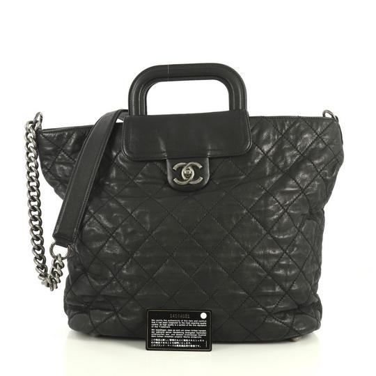 Chanel Shopping Calfskin Tote in black Image 1