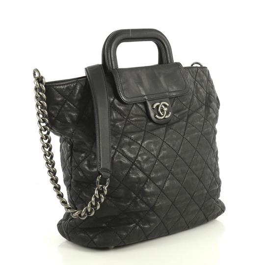 Chanel Shopping Calfskin Tote in black Image 2