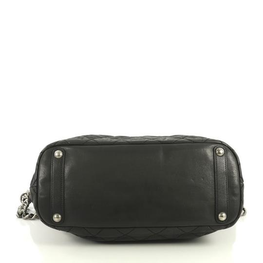 Chanel Shopping Calfskin Tote in black Image 4