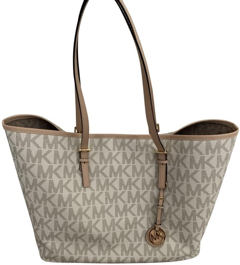 Preload https://img-static.tradesy.com/item/25765237/michael-kors-mk-pattern-and-white-with-tan-print-embossed-leather-tote-0-1-540-540.jpg