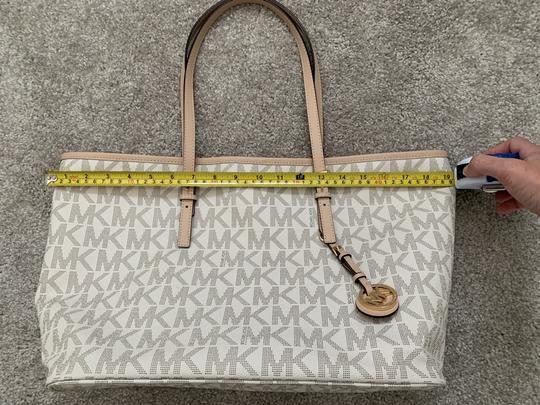 Michael Kors Mk Logo Pattern And Tote in White with Tan print Image 10