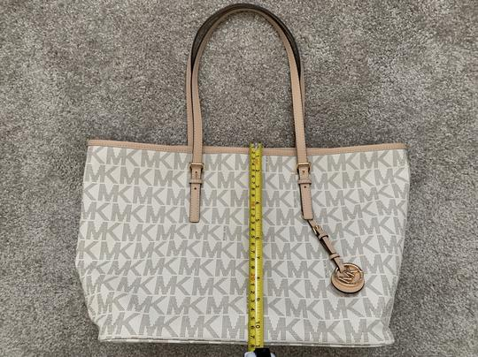 Michael Kors Mk Logo Pattern And Tote in White with Tan print Image 9